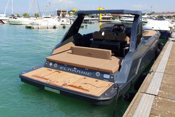 Aurea Yachts 30 Cabin T.Top - maniglie poppa 2